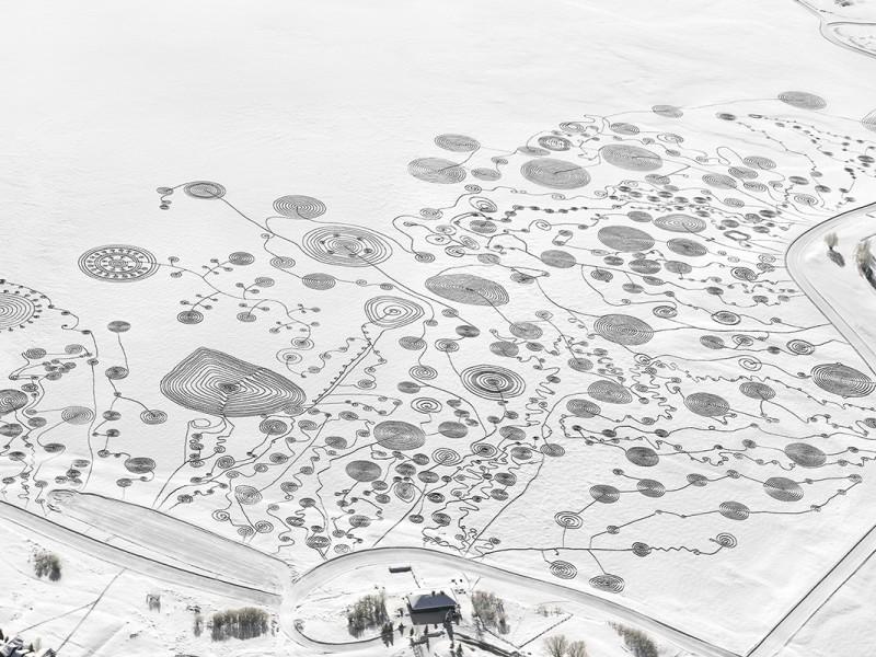 Sonja Hinrichsen snow drawings catamount